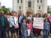 Manifestation contre l'article du Figaro